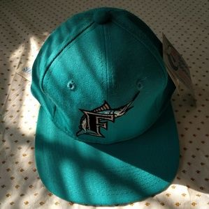 Other - Deadstock Florida Marlins fitted cap